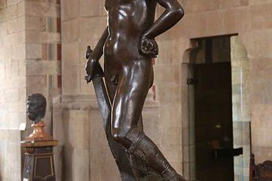 Image illustrant l'article 395px-David,_Donatello,_ca._1440,_Bargello_Florenz-02 de Clio Lycee