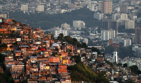 La métropolisation: un processus mondial différencié